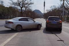 别克昂科威遭大众宝来横面撞击!车辆安全性分析