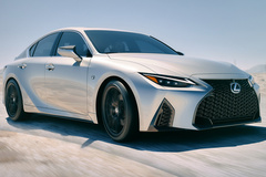 雷克萨斯全新IS再推新车型!增V8引擎/叫板宝马M3