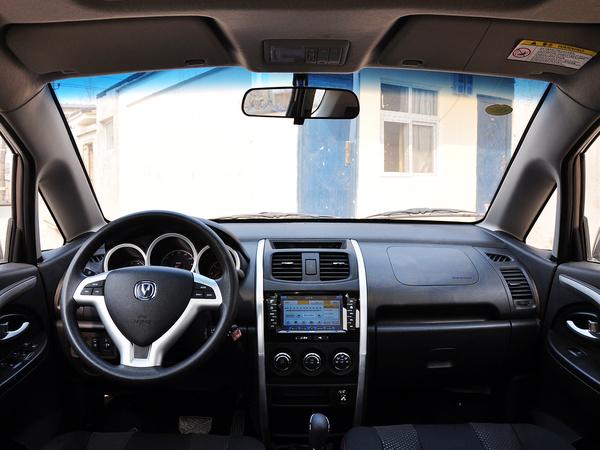 长安乘用车  1.4L 自动 中控台整体